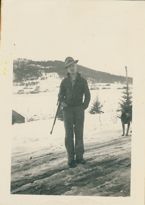 Carl Ralph Bonde, Jr. home on leave in 1943 or 1944